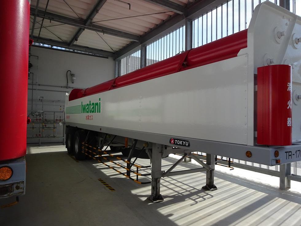 高圧水素ガス容器運搬トレーラー
